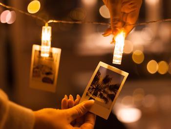 LED-nauha Valokuvanipistimillä
